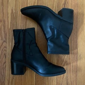 ABOUND | Pointed Ankle Black Boots